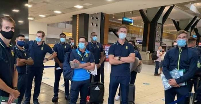 south african cricket team lands to karachi after 14 years