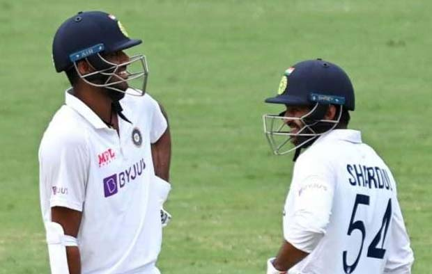 indian young cricketers shardul thakur and washington sudhar partnership worked well